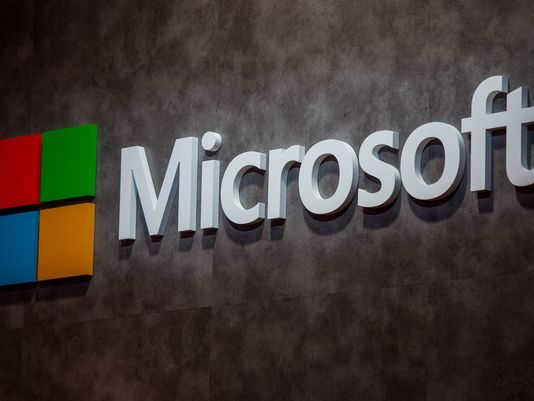 Microsoft provide an assist to potential Yahoo buyers