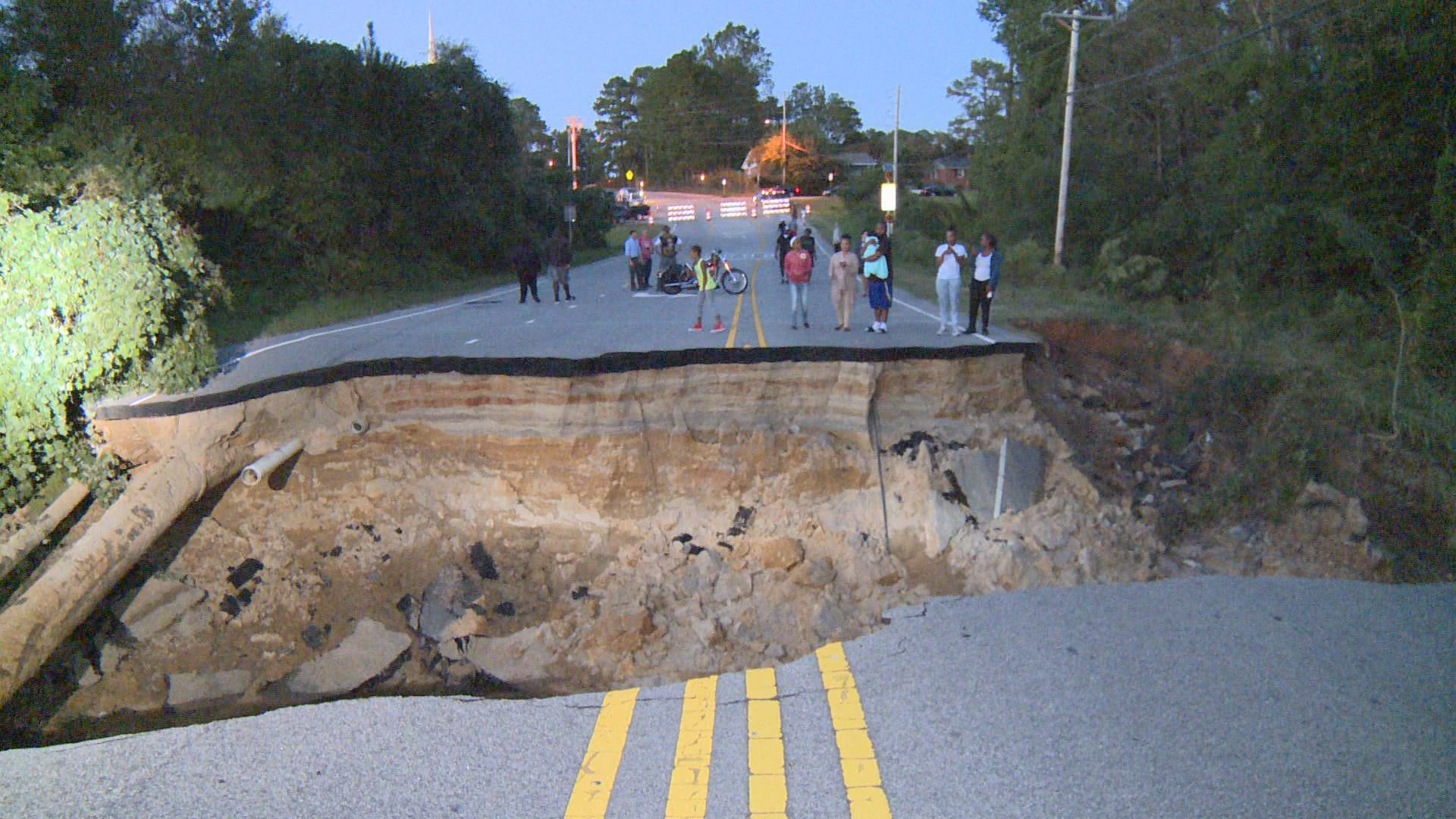 Ford Fayetteville Nc >> People in Awe Over Massive Fayetteville Sinkhole ...